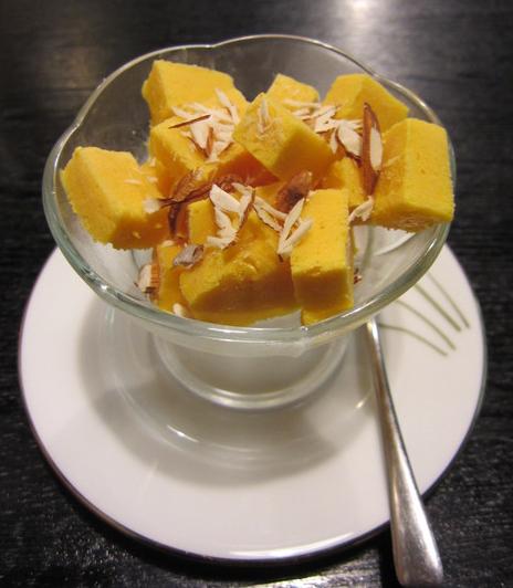 インドのデザート マンゴークレフィ(Mango Kulfi)