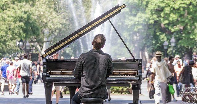 僕がピアノの前に座るとみんなが笑った。でも、弾き始めると、、、(They Laughed When I Sat Down At The Piano - But When I Started to Play!)